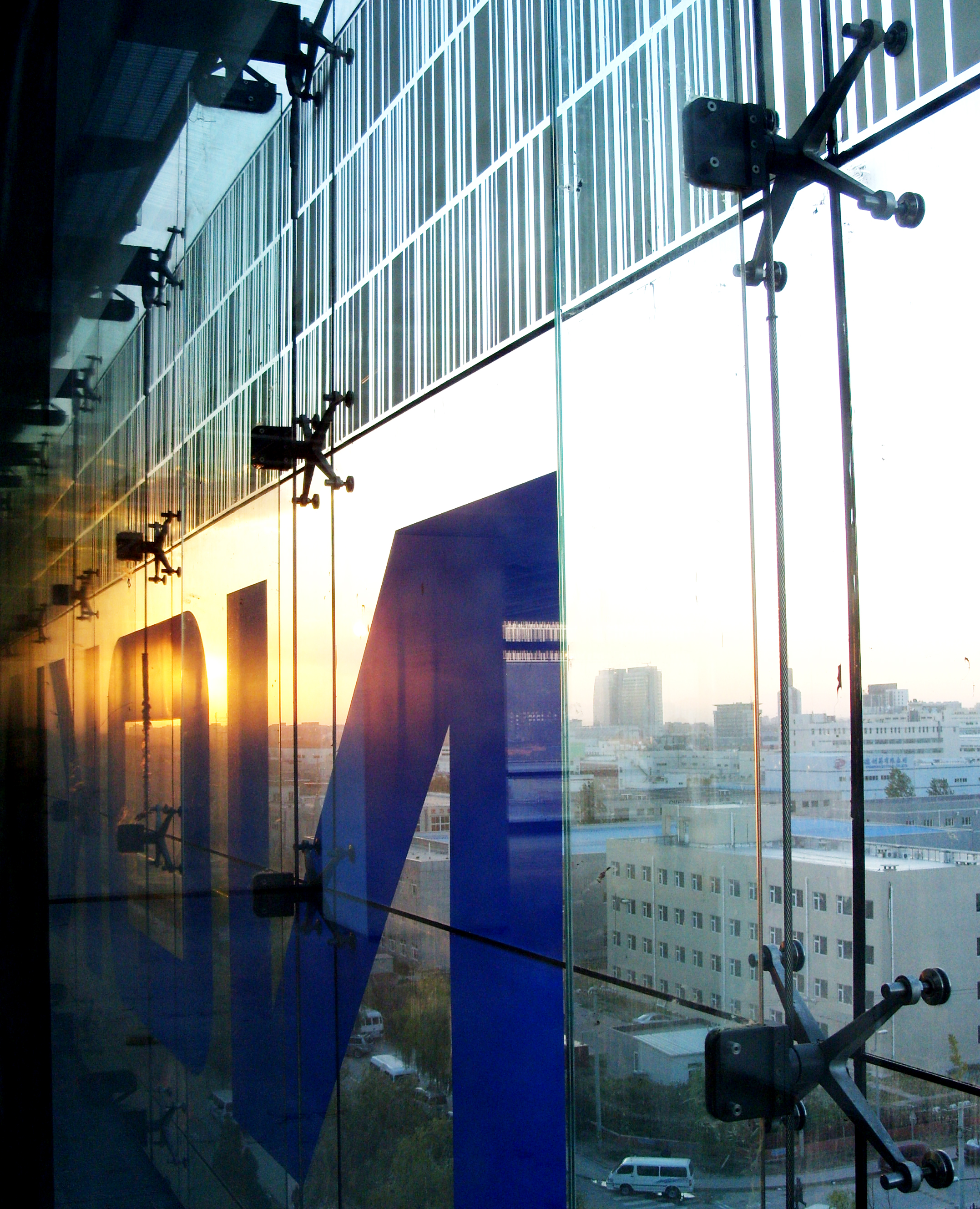 Metal Buildings Wired Glass Fin Supported Glazing With Ceramic Fritimage Courtesy Of Arup