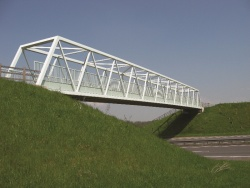 Lightweight Footbridge A38 North of A5.jpg