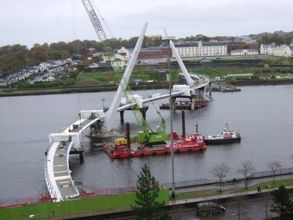 Peace Bridge, Londonderry.jpg