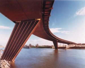 Shanks Millennium Bridge.jpg